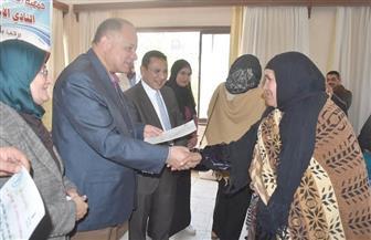 عصام سعد يشهد توزيع 100 رأس ماعز للأسر الأولى بالرعاية بالفيوم   صور