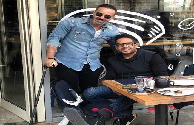 أول ظهور لمحمد حماقي عقب تحسن حالته الصحية -