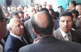 كامل الوزير يستمع لشكاوى ركاب محطة مصر.. ويعد بحل مشكلات التأخر وسوء الخدمة