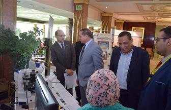 رئيس جامعة سوهاج يتفقد المعرض العلمي بمؤتمر تنمية صعيد مصر   صور