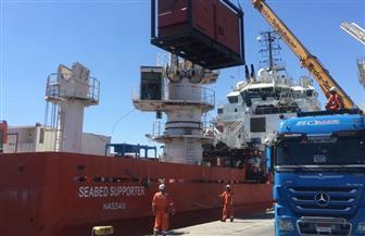 وصول 300 طن طرود إلى ميناء سفاجا البحري | صور