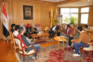 ماجد نجم يستقبل عباقرة جامعة حلوان   صور
