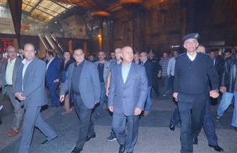 وزير النقل يتفقد محطة مصر لمتابعة مستوى الخدمة ويوجه بفتح  نفق المشاة| صور
