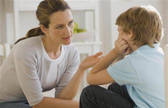 كيف تتعامل مع طفلك في مرحلة النمو العاطفي من (9 سنوات إلى المراهقة)؟