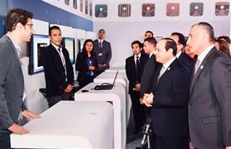 الرئيس السيسي يتفقد الجناح الاقتصادي على هامش أعمال ملتقى الشباب العربي والإفريقي بأسوان | صور