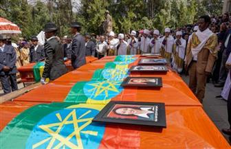 """أهالي ضحايا الطائرة الإثيوبية """"سيدفنون أكياس تراب"""" بدلا من رفاتهم"""