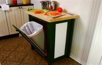 """""""مستعمرة جراثيم"""" في مطبخك.. الطريقة المثالية للتعامل مع سلة القمامة تجنبا للأمراض"""
