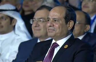 الرئيس السيسي يكرم عددا من شباب المبدعين في ختام ملتقى الشباب العربي والإفريقي