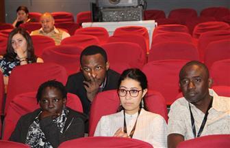 الفرنسي أوليفيه بارليه يشرح مفهوم النقد في مهرجان الأقصر الإفريقي | صور