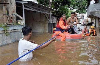 ارتفاع حصيلة ضحايا فيضانات إندونيسيا إلى 77 قتيلا