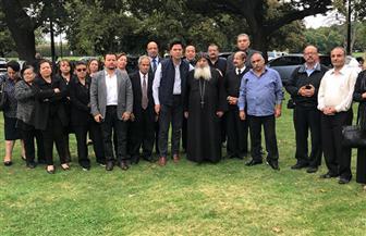 السفير المصري في نيوزيلندا يعزي أسر الضحايا ويزور المصابين | صور