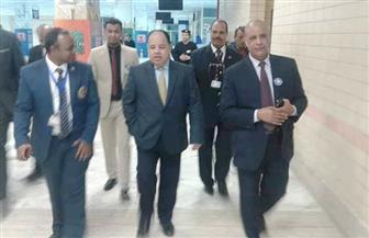 وزير المالية يشيد بأداء العاملين بجمارك مطار أسوان
