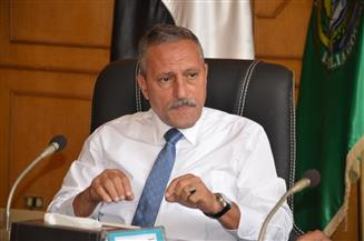محافظ الإسماعيلية يتفقد لجنة الوافدين بالمنطقة الصناعية