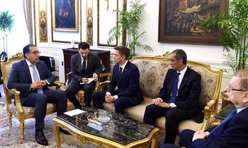 مدبولي يلتقي وزير الاتصالات الروسي ويؤكد: نتطلع لتوسيع التعاون في ميكنة الخدمات والتحول الرقمي وأمن الشبكات