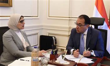 """رئيس الوزراء يتابع مع وزيرة الصحة تنفيذ تكليفات الرئيس بعلاج مليون مواطن إفريقي من فيروس """"سي"""""""