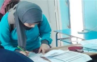 تسليم شرائح التابلت لطلاب الأول الثانوي بمدارس القاهرة | صور