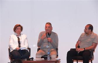 محمود حميدة يلقي محاضرة عن فن التمثيل بالأقصر للسينما الإفريقية