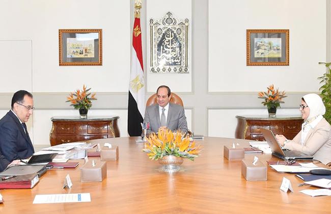 الرئيس السيسي يجتمع مع رئيس مجلس الوزراء ووزيري الصحة والاتصالات ورئيس هيئة الرقابة الإدارية -