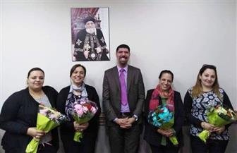 بطريركية الأقباط الأرثوذكس بالإسكندرية توزع وردا على السيدات احتفالا بعيد الأم| صور