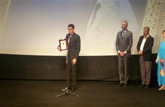 """أسر ياسين يهدي تكريم """"الأقصر للسينما الإفريقية"""" لروح جده"""