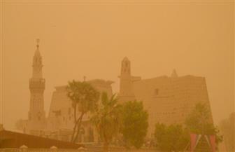 عاصفة ترابية شديدة تجتاح محافظة الأقصر