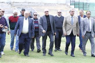 رئيس لجنة الكود المصري للصيانة يتفقد استاد بورسعيد لوضع جدول زمني لترميمه