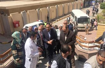 رئيس الوزراء يستهل جولته بمحافظة الفيوم بتفقد معرض القرى المنتجة