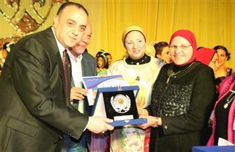 """""""الشمس"""" يكرم زوجة الشهيد هشام بركات في احتفال الباليه السنوي"""