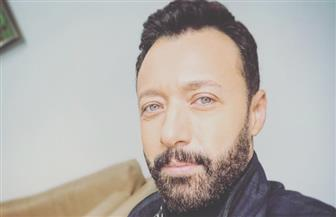"""""""ابن الوز فنان""""..  أحمد فهمي يفاجئ متابعيه بموهبة ابنه"""