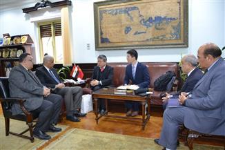 رئيس جامعة الإسكندرية يناقش مع وفد جامعة شنغهاي استعدادات إنشاء معهد كونفوشيوس