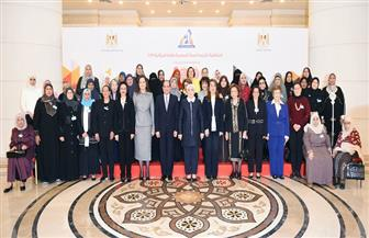الأم المثالية بمطروح: الرئيس السيسي سند وضهر الشعب المصري