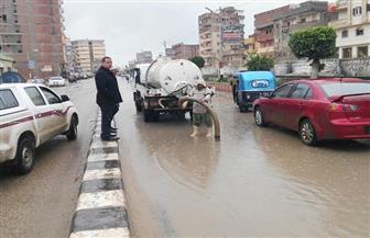 تصطف من الـ4 فجرا.. معدات التعامل مع مياه الأمطار في مطروح على أهبة الاستعداد