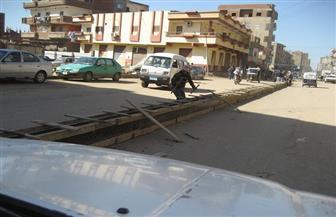 تحويل شارع 23 يوليو بمدينة بسيون إلى اتجاهين لتسهيل الحركة المرورية | صور