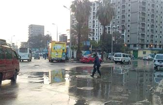 استمرار حركة الملاحة بميناءي الإسكندرية.. وأمطار غزيرة على أنحاء المحافظة| صور