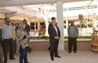 رئيس جامعة أسيوط يتفقد أعمال تطوير صالات الامتحانات | صور