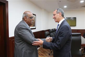 وزير الاتصالات يبحث مع سفير إريتريا بالقاهرة تعزيز التعاون