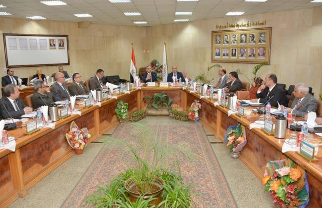 مجلس جامعة أسيوط يوافق على تعيين 28 أستاذا مساعدا   صور -