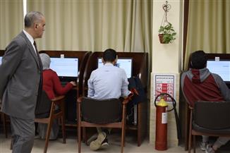 طلاب طب المنصورة ينهون الاختبار المعرفي الموحد بمشاركة 21 كلية| صور