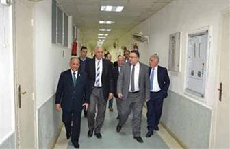 188 طالبا يؤدون الامتحان التجريبي الموحد بطب الإسكندرية| صور