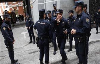الشرطة الإسبانية توقف مغني راب حكم عليه بالسجن بسبب تغريدات مناهضة للملكية