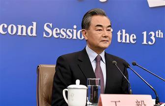 """وزير الخارجية الصيني: """"الحزام والطريق"""" ليست """"فخ ديون"""" .. بل """"كعكة اقتصادية"""" لمختلف الشعوب"""