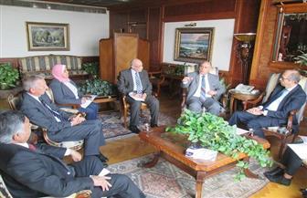 السفير الهولندي بالقاهرة يسلم وزير الري رسالة من وزيرة البنية التحتية والمياه الهولندية