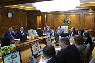 وزير التعليم العالى يجتمع برؤساء مجالس أمناء الجامعات الخاصة والأهلية | صور