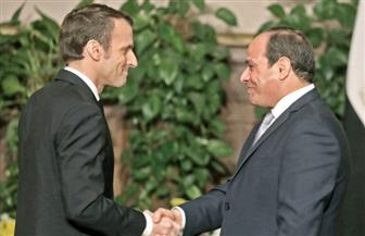 الرئيس السيسي يتلقى اتصالا هاتفيا من نظيره الفرنسي للتهنئة بنجاح القمة العربية الأوروبية