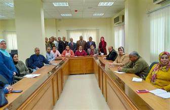 رئيس جامعة بني سويف يعلن عن أربع دورات تدريبية لتنمية الجهاز الإداري  صور