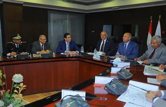 وزير النقل يلتقي وزير الري ومحافظ أسوان لمناقشة تنفيذ مشروع محور بديل لكوبري خزان أسوان
