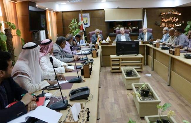 فودة يعقد الاجتماع التحضيري للاستعداد لافتتاح مضمار الهجن الدولي بشرم الشيخ