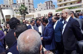 رئيس الوزراء يتفقد معرضا للمنتجات اليدوية وصناعات الحرف التراثية بمدينة رشيد