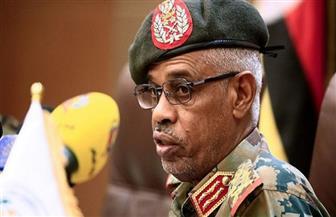 التلفزيون السوداني: وزير الدفاع عوض بن عوف يؤدي اليمين رئيسا للمجلس العسكري الانتقالي