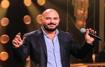 محمود العسيلي: قلبي ضعيف أمام السيدات.. وأكتر حاجة بتشدني ليهم هي الذكاء| فيديو